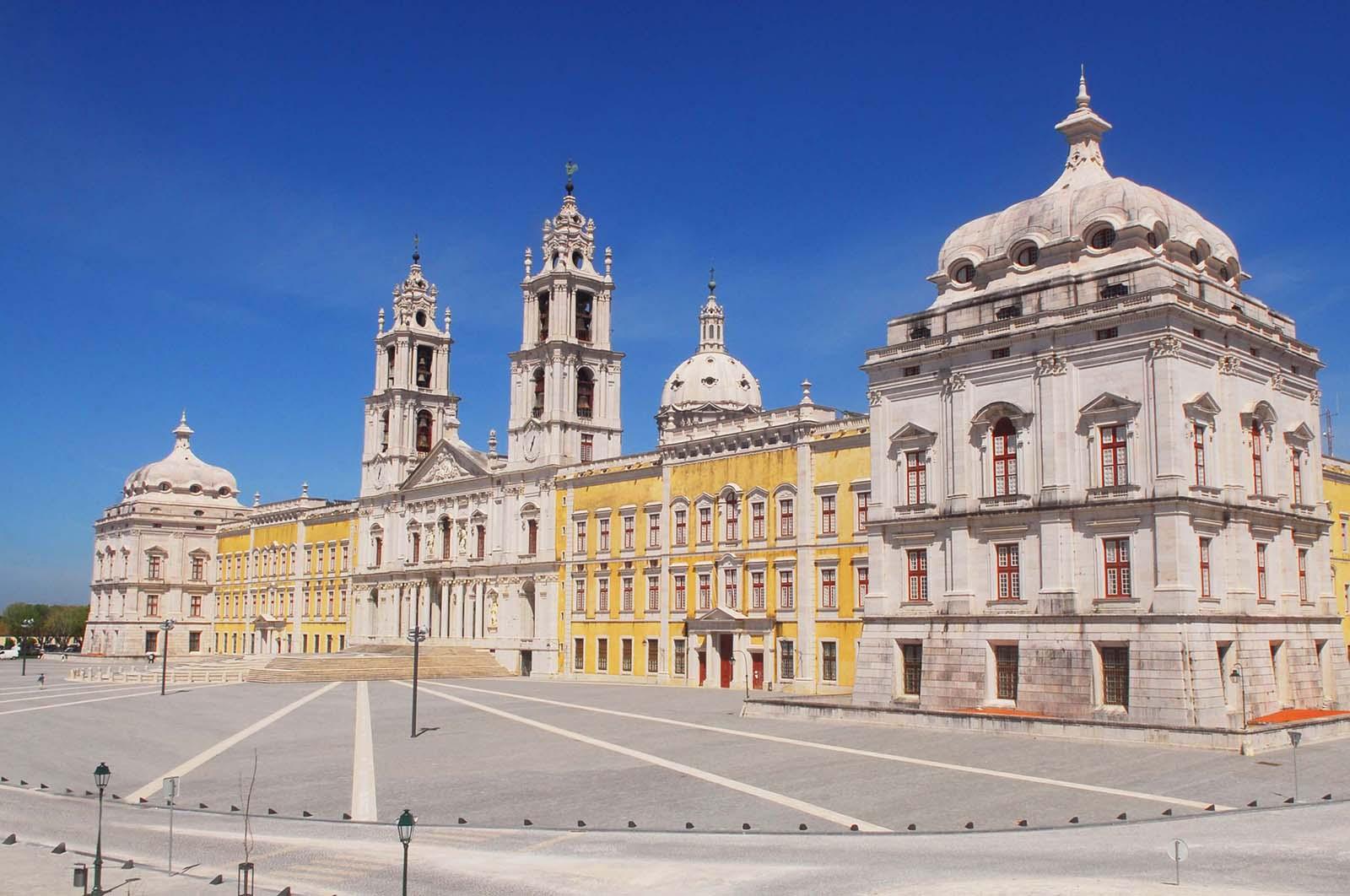Resultado de imagem para Palácio Nacional de Mafra