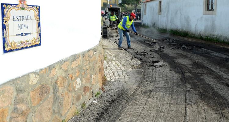 Estrada Nova que liga à Ulgueira-Azoia está a ser pavimentada - Sintra Notícias