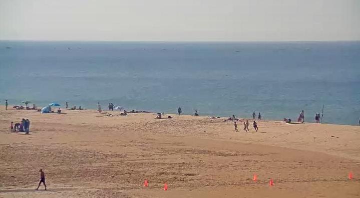 Qualidade das águas interdita Praia de Carcavelos