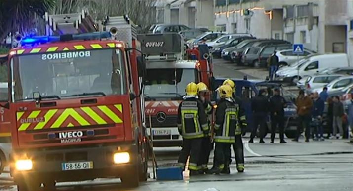Dois feridos graves em incêndio por fuga de gás em Sintra